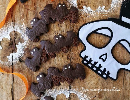 """Biscotti """"pipistrello"""" al cacao con cioccolato fondente"""