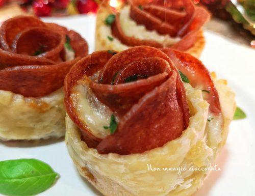 Rose di sfoglia con salame e formaggio