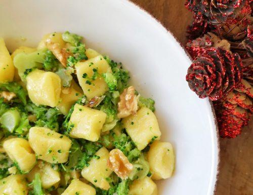 Gnocchetti di semola con broccoli e noci