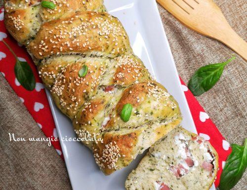 Pan brioche agli spinacini con ricotta e mortadella