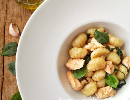 Gnocchi salmone e spinacini