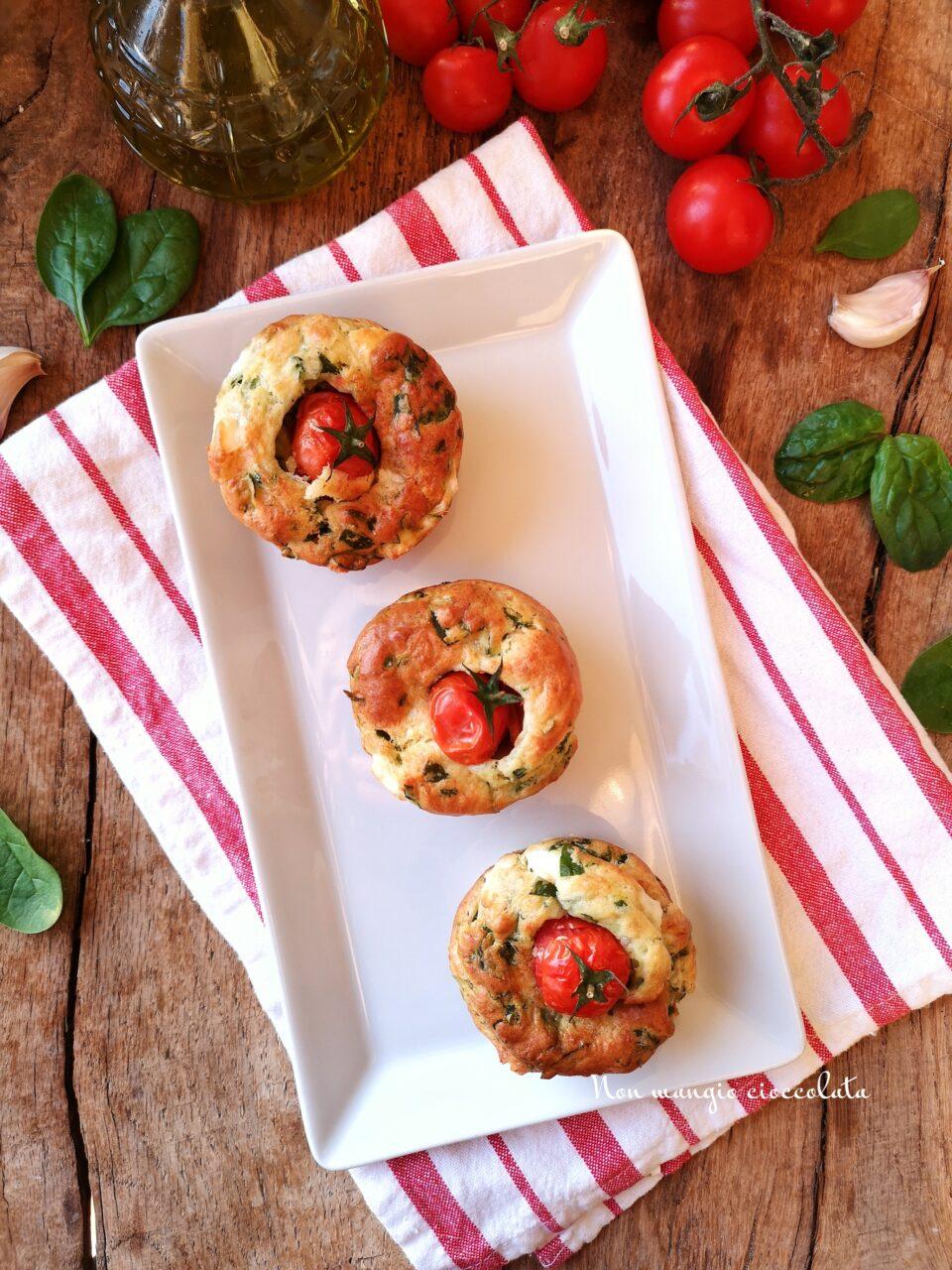 Muffin con spinacini e feta