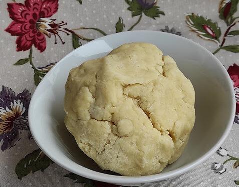 La pasta brisèe ecco la  ricetta base