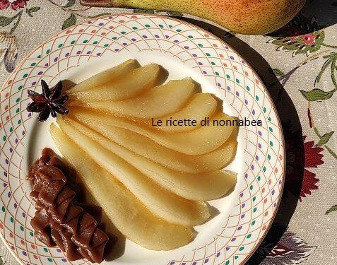 Pere morbide con crema al cioccolato