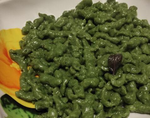 Spaetzle con spinaci (gnocchi tirolesi)