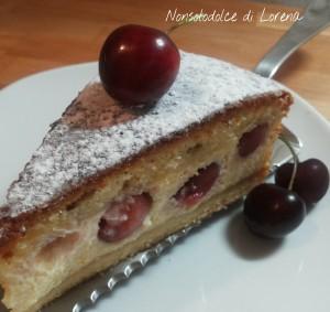 Torta soffice con ciliegie e ricotta