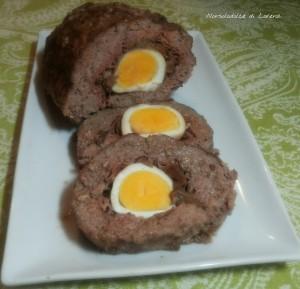 Polpettone con uova funghi e speck