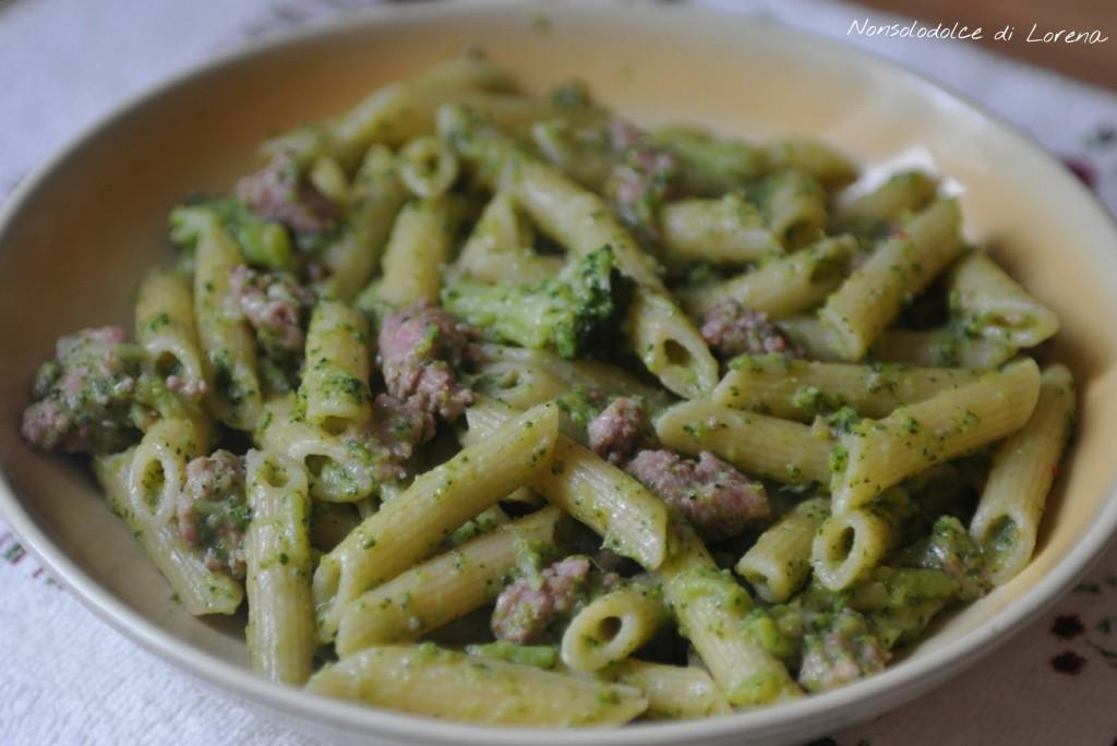 Pasta broccoli e salsiccia .. un primo piatto semplice, gustoso e di ...