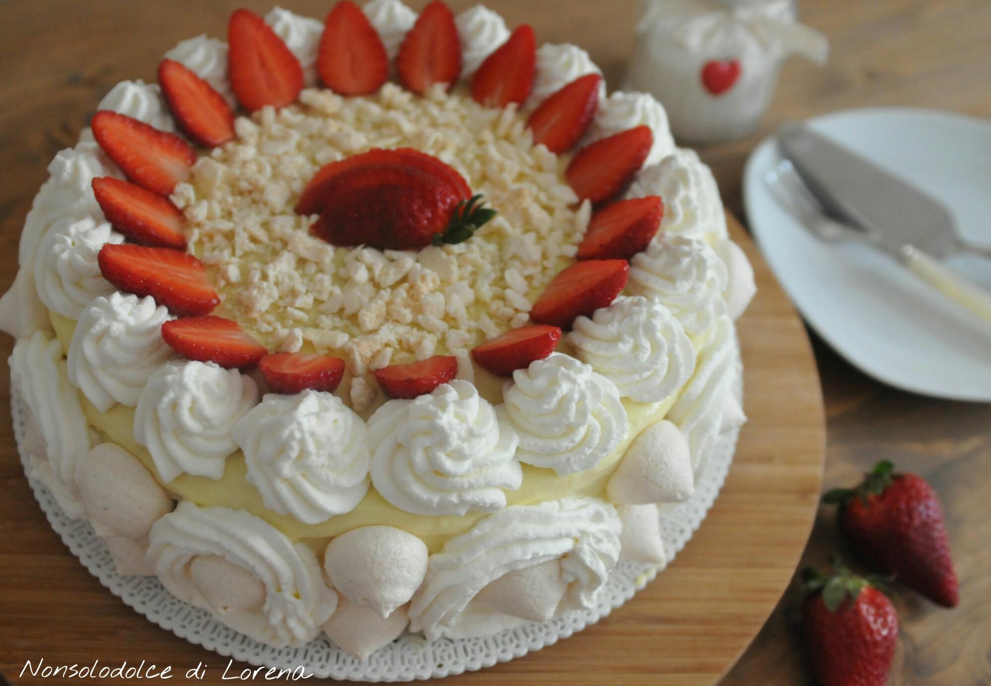 Ricetta torta meringata con le fragole