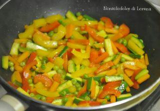 Cous cous speziato con pollo e verdure