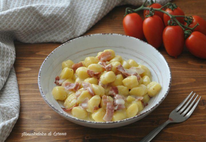 Gnocchi di patate con speck e taleggio