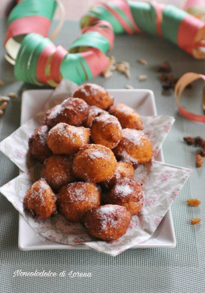 Frittelle di Semolino con Uvetta e Pinoli