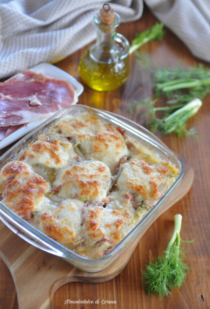 Finocchi gratinati al forno con crudo e mozzarella