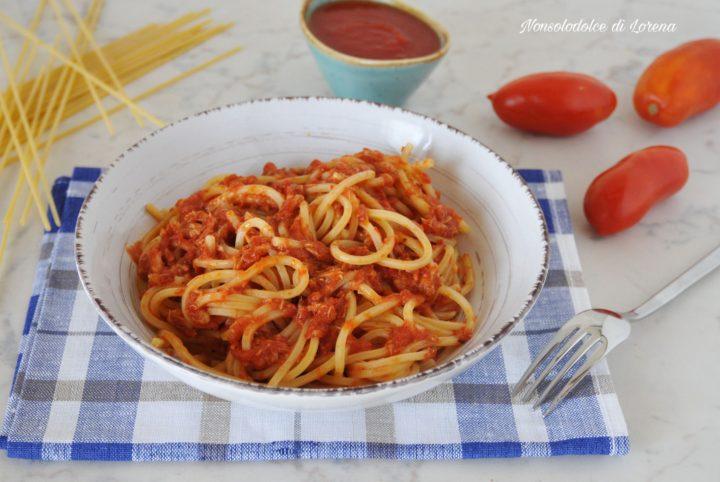 Spaghetti al tonno con pomodoro