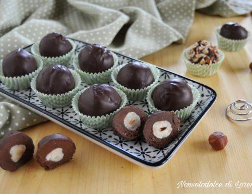 Cioccolatini al gianduia con cuore di nocciola