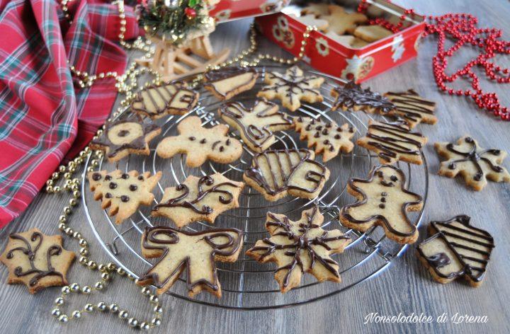 Biscotti di Natale alle nocciole e cioccolato
