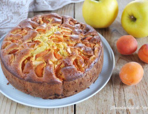 Torta di ricotta mele e albicocche