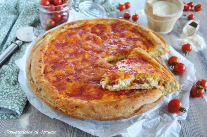 Pizza ripiena con ricotta e salame