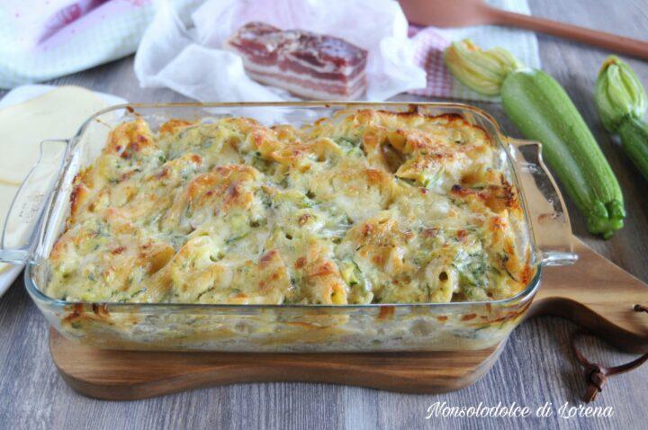 Pasta al forno con zucchine e pancetta