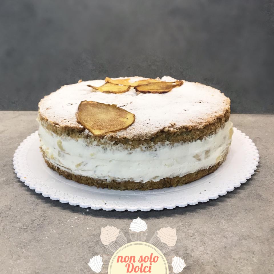Torta ricotta e pere decorata con pere caramellate del blog non solo dolci di katia
