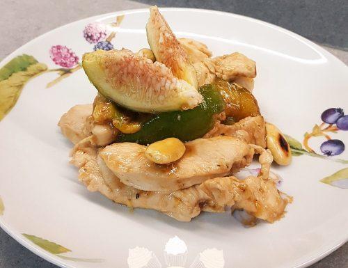 Petto di pollo con fichi e mandorle