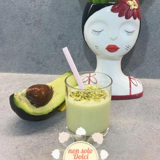 smoothie mela e avocado