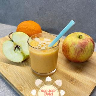 smoothie alla frutta: smoothie mela, arancia e carote