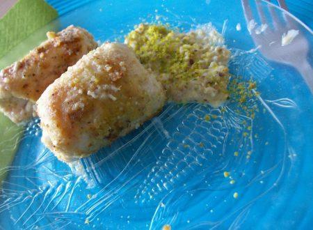 involtini di pollo allo speck e pistacchio