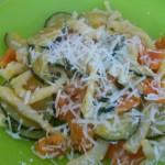 Strozzapreti con zucchine e pomodorini