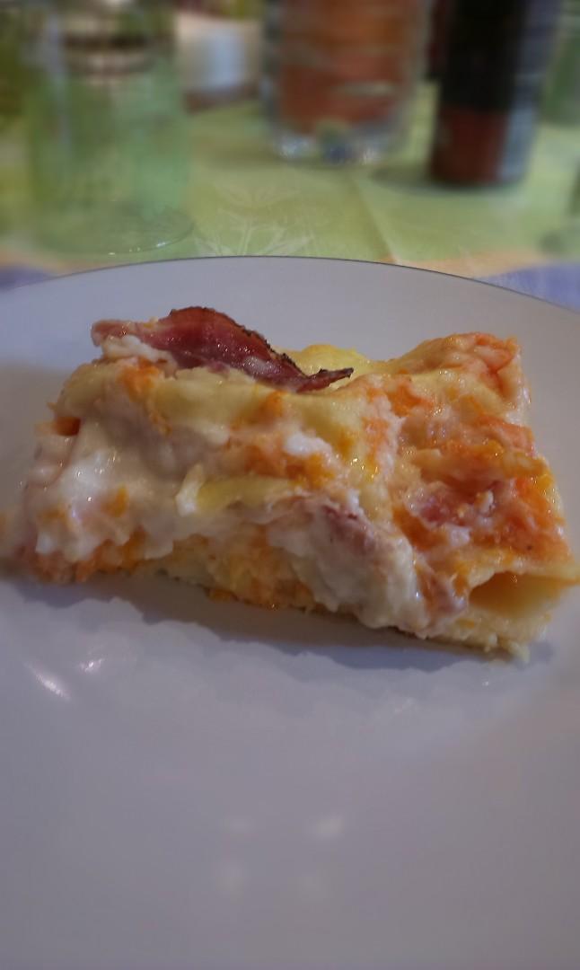 Lasagne con zucca , spek e provola