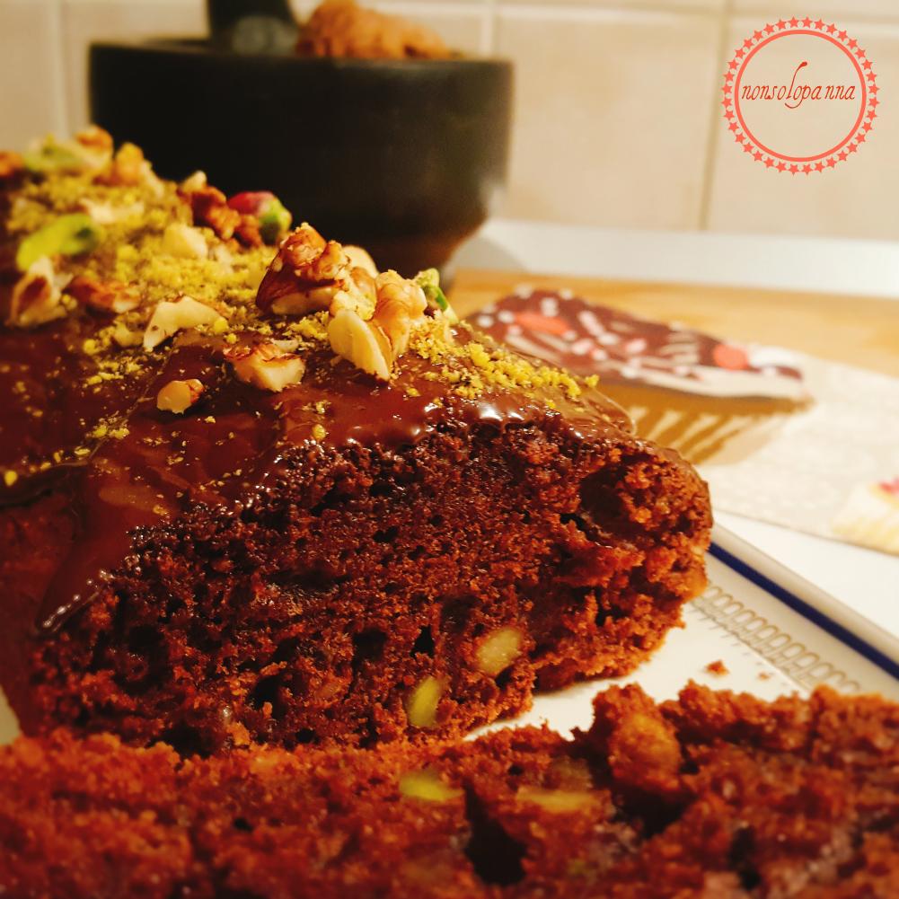 Plumcake al cioccolato, noci e pistacchi