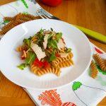 Fusilli integrali rucola pomodorini e scaglie di parmigiano