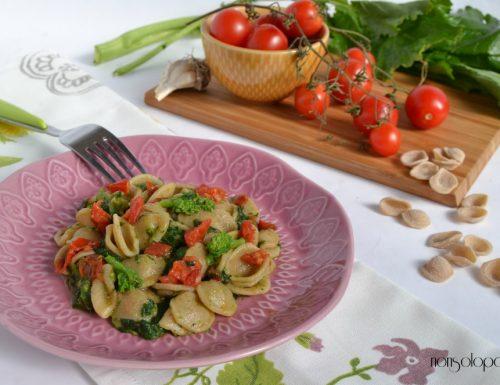 Orecchiette integrali bio con cime di rapa e pomodorini