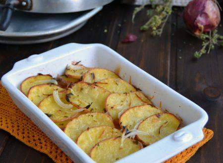 Patate rosse in teglia agli aromi
