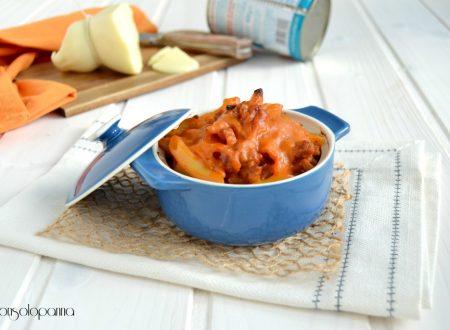 Pasticcio di pasta  con salsiccia e scamorza