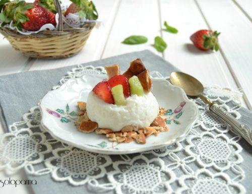 Crema di ricotta con frutta e scorza di cannoli