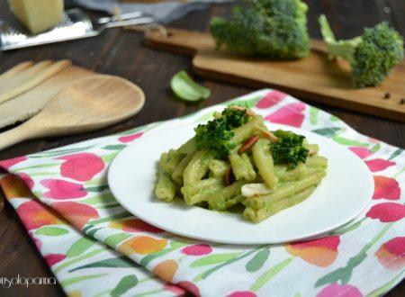 Pasta con il pesto di broccoli