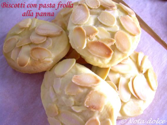 Biscotti con pasta frolla alla panna, ricetta dolce