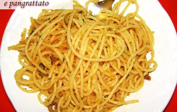 Spaghetti con olive e pangrattato ricetta veloce