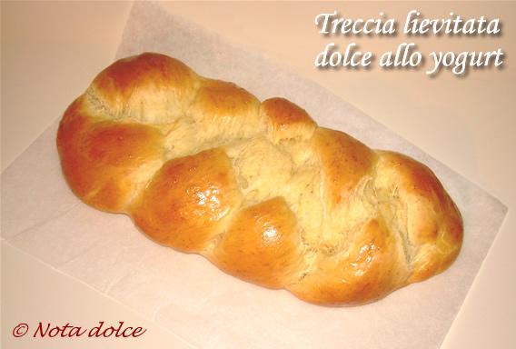 921af46395885 Treccia lievitata dolce allo yogurt ricetta golosa  Nota dolce