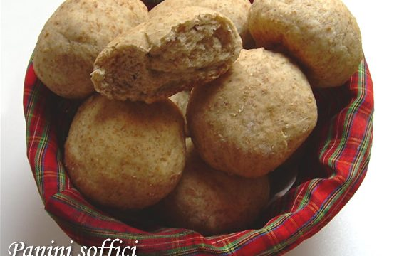 Panini soffici con farina integrale ricetta lievitato