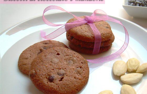 Biscotti al cioccolato e mandorle ricetta golosa