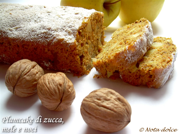 Plumcake di zucca, mele e noci, ricetta dolce senza burro