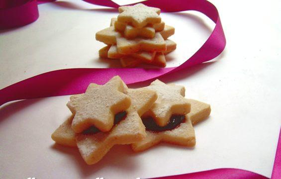 Stelle ripiene alla confettura ricetta biscotti per Natale