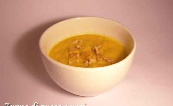 Zuppa di zucca e noci ricetta primo piatto