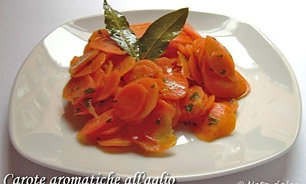 Carote aromatiche all'aglio ricetta facile