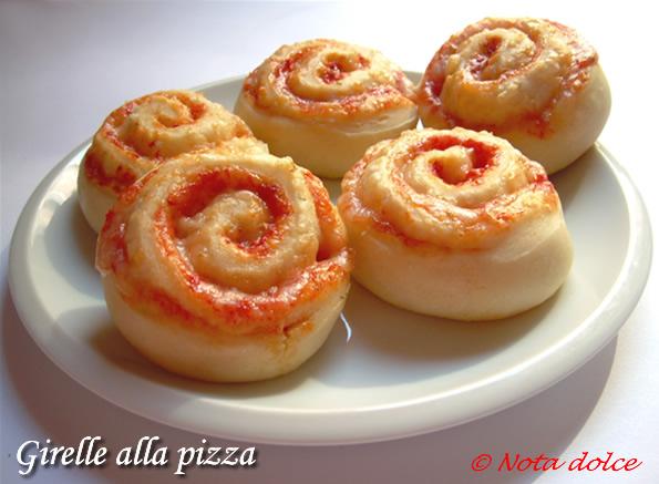 Girelle alla pizza ricetta gustosa