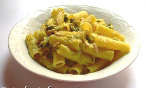 Pasta al pesto di asparagi ricetta primo piatto