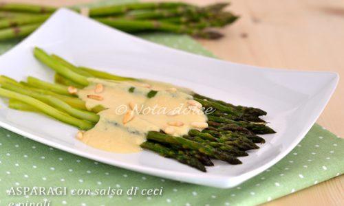 Asparagi con salsa di ceci e pinoli ricetta facile