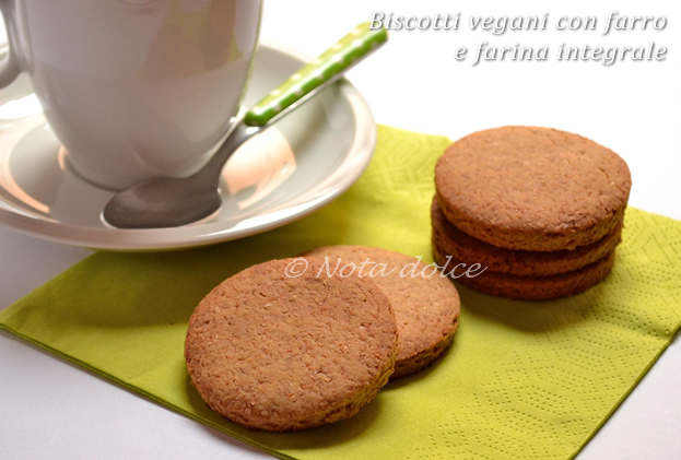 Biscotti vegani con farro e farina integrale, ricetta dolce